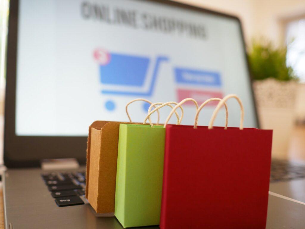 online-shopping-4516036_1920-min